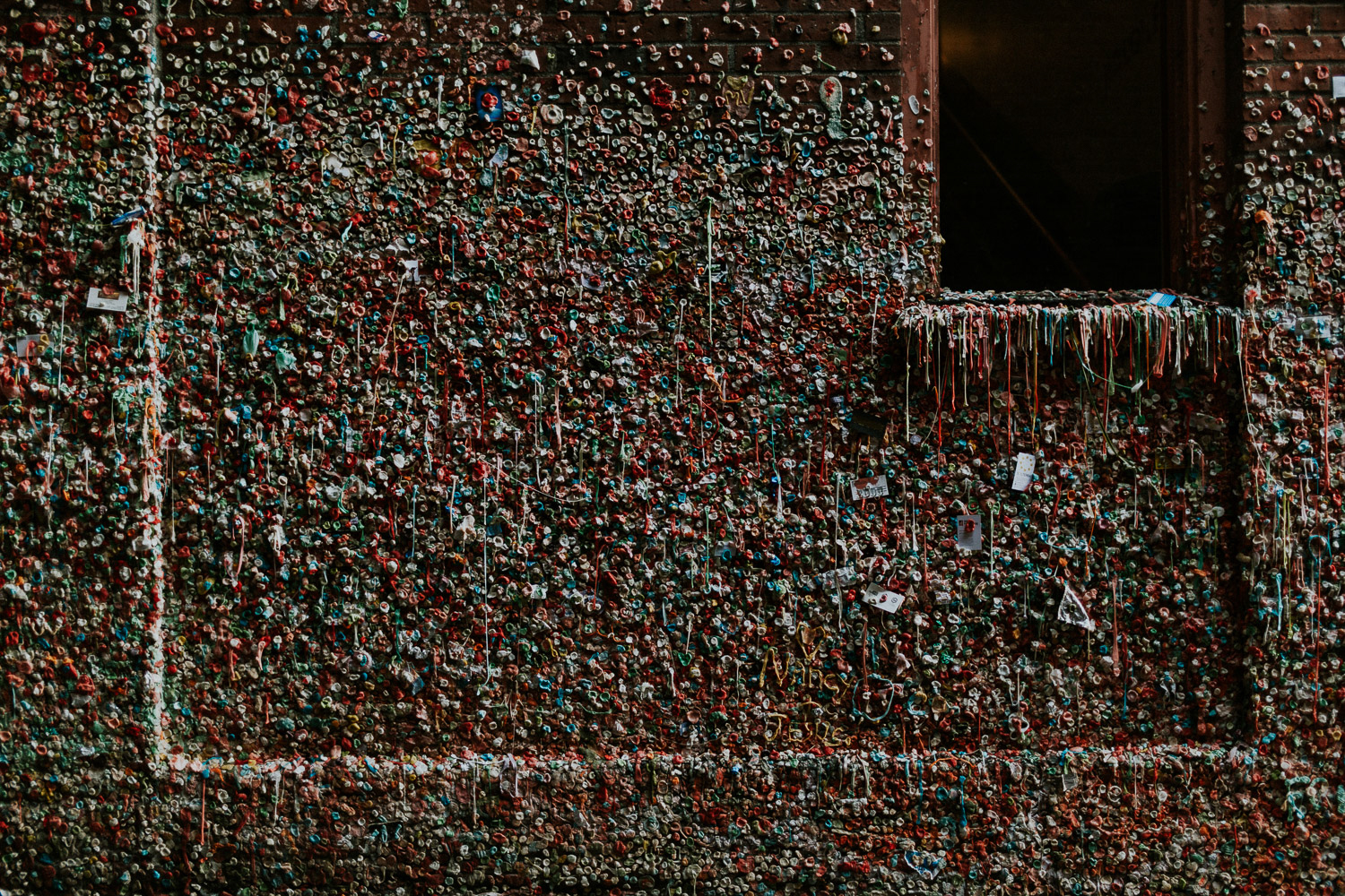 Image of gum wall in Seattle
